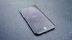 iPhone 6 – Dark Marble Shot